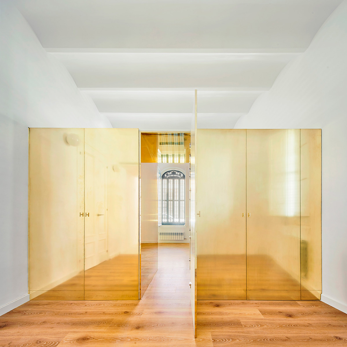 Magic-Box-Apartment-Raul-Sanchez-Architects-Jose-Hevia-02