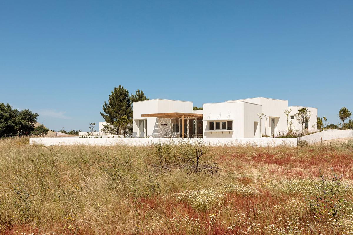 Casa-Comporta-Almeida-Fernandes-Arquitectura-Francisco-Nogueira-01