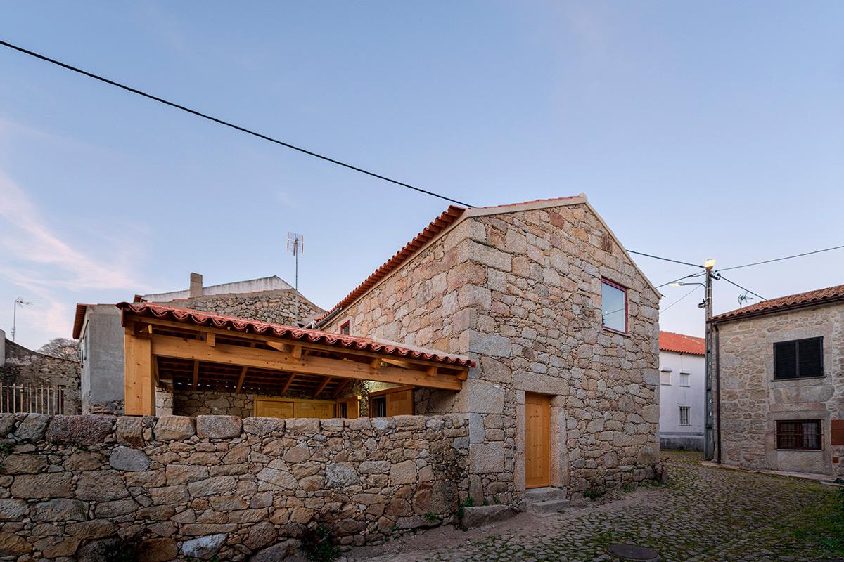 Casa-Rural-HBG-Architects-Ricardo-Oliveira-Alves-01