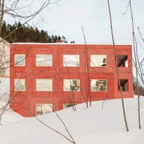 House-in-Red-Concrete-Sanden-Hodnekvam-Arkitekter-01