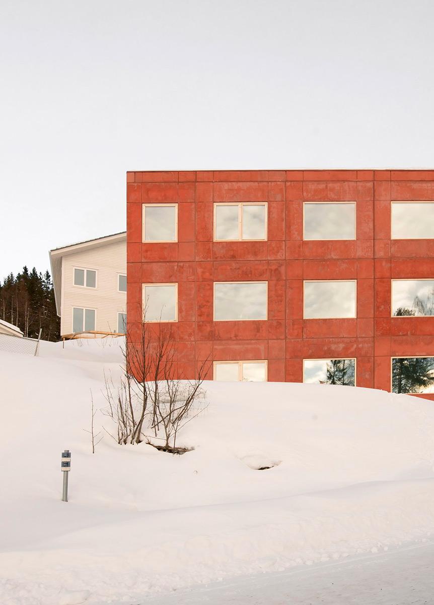House-in-Red-Concrete-Sanden-Hodnekvam-Arkitekter-02