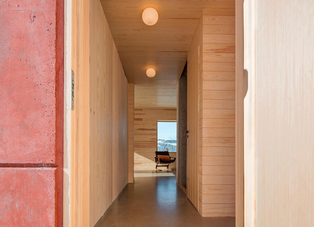 House-in-Red-Concrete-Sanden-Hodnekvam-Arkitekter-04