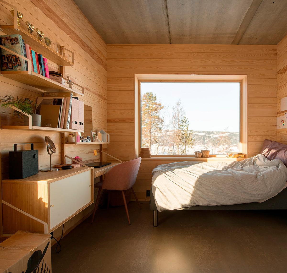House-in-Red-Concrete-Sanden-Hodnekvam-Arkitekter-05