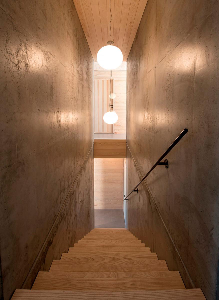 House-in-Red-Concrete-Sanden-Hodnekvam-Arkitekter-07