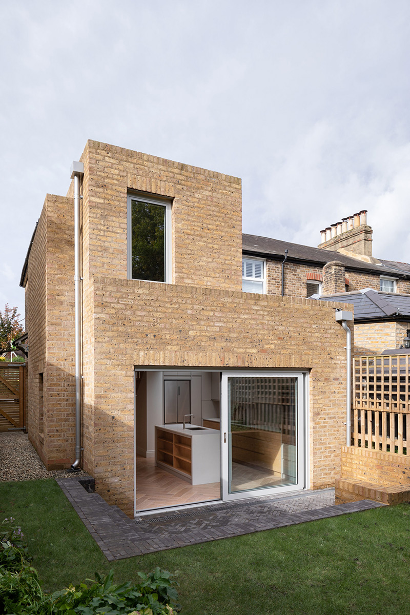 Step-House-Grey-Griffiths-Architects-Adam-Scott-01