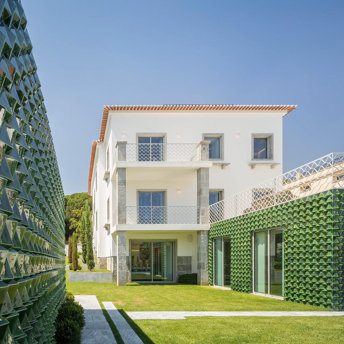 Casa-AD25-Joao-Tiago-Aguiar-Arquitectos-Fernando-Guerra-01