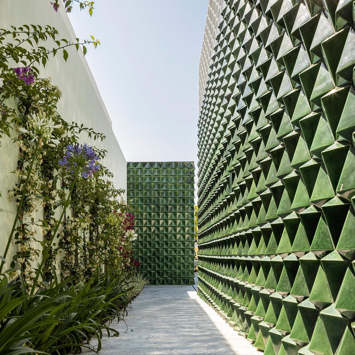 Casa-AD25-Joao-Tiago-Aguiar-Arquitectos-Fernando-Guerra-05