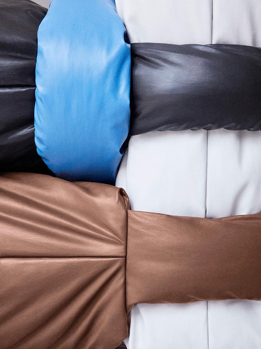 Pillow-Sofa-Muller-Van-Severen-Kassl-Editions-02