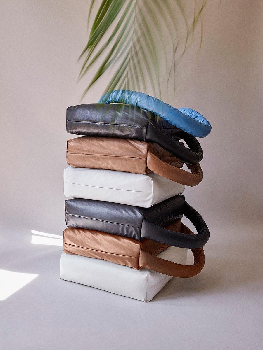 Pillow-Sofa-Muller-Van-Severen-Kassl-Editions-03
