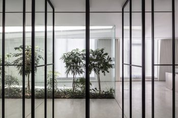 The-Patio-Office-Tal-Goldsmith-Fish-Architecture-Amit-Geron-07