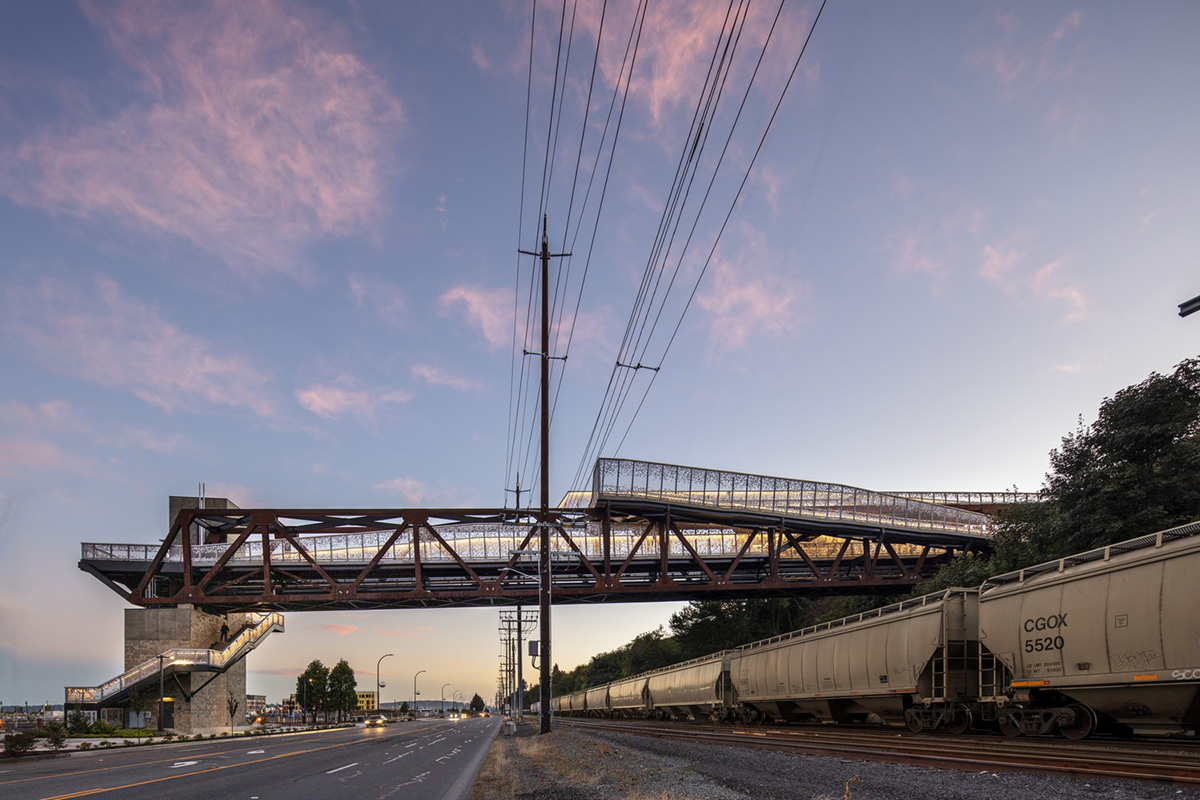 Grand-Avenue-Park-Bridge-LMN-Architects-Adam-Hunter-05