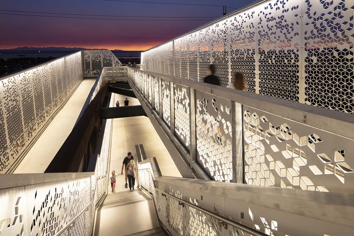 Grand-Avenue-Park-Bridge-LMN-Architects-Adam-Hunter-06