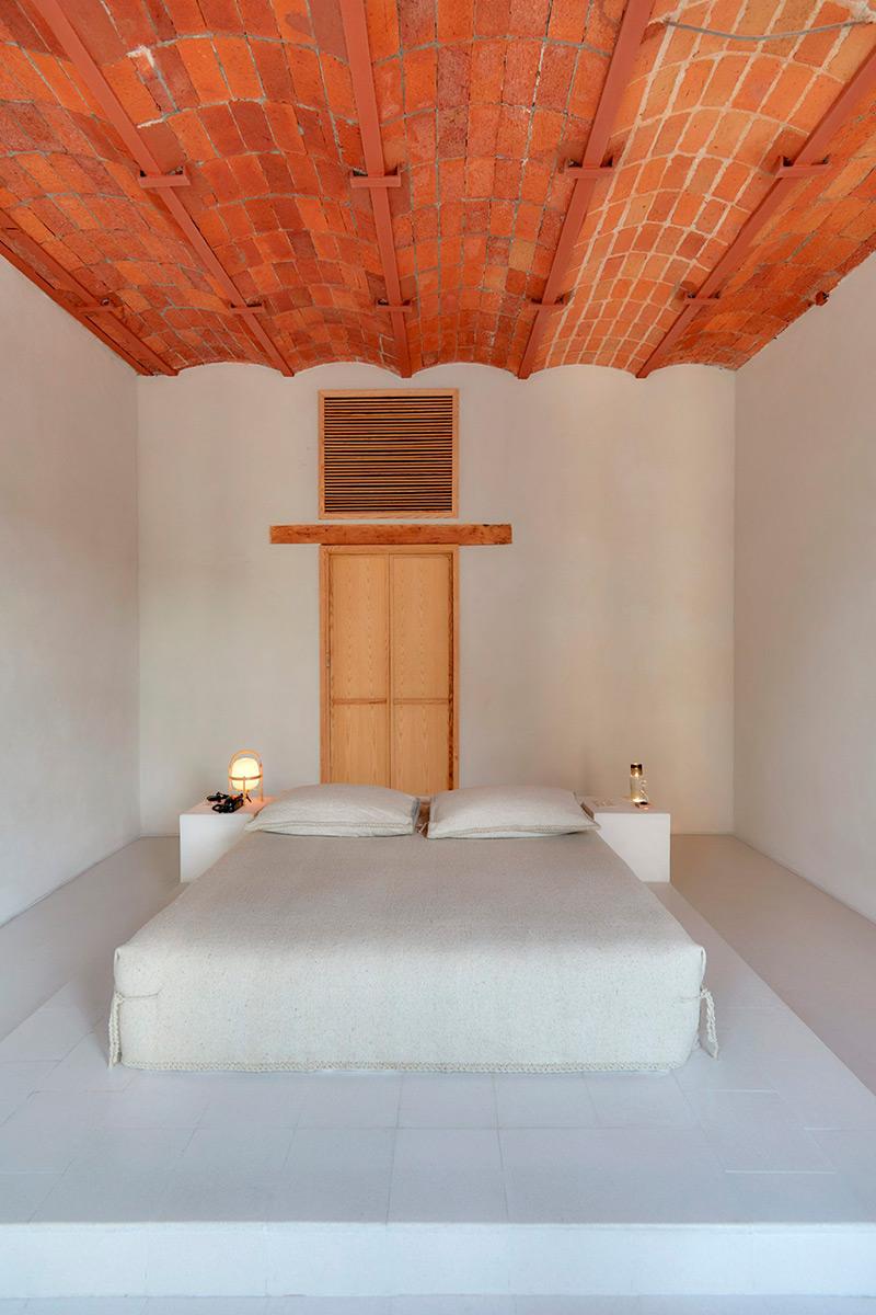 Hotel-Circulo-Mexicano-Ambrosi-Etchegaray-Sergio-Lopez-04