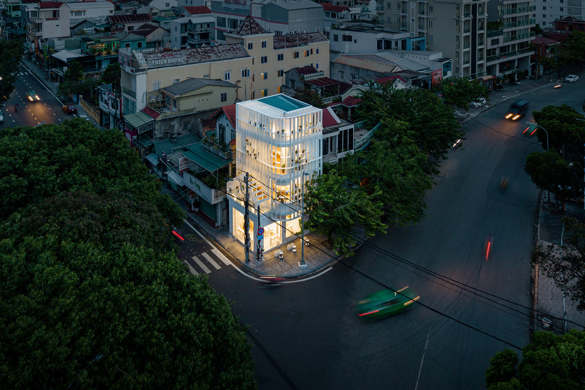 Tiam-Coffee-Shop-Home-Nguyen-Khai-Architects-Associates-Quang-Dam-09
