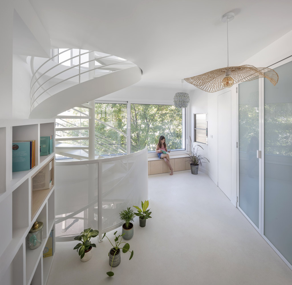 Bergeyre-House-AJILE-Architects-Cecile-Septet-02