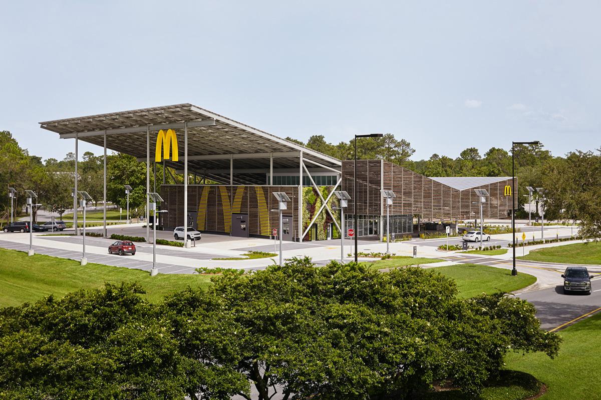 McDonald-Walt-Disney-World-Resort-Ross-Barney-Architects-Kate-Joyce-Studios-01