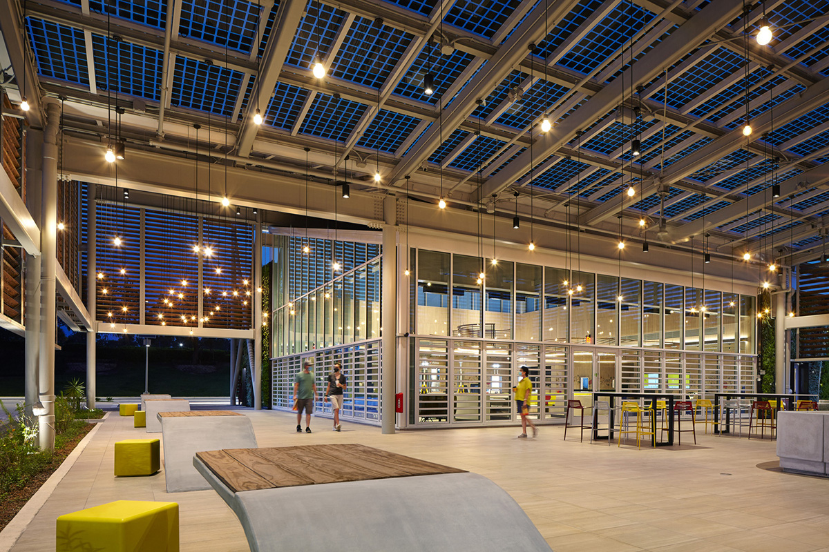 McDonald-Walt-Disney-World-Resort-Ross-Barney-Architects-Kate-Joyce-Studios-06