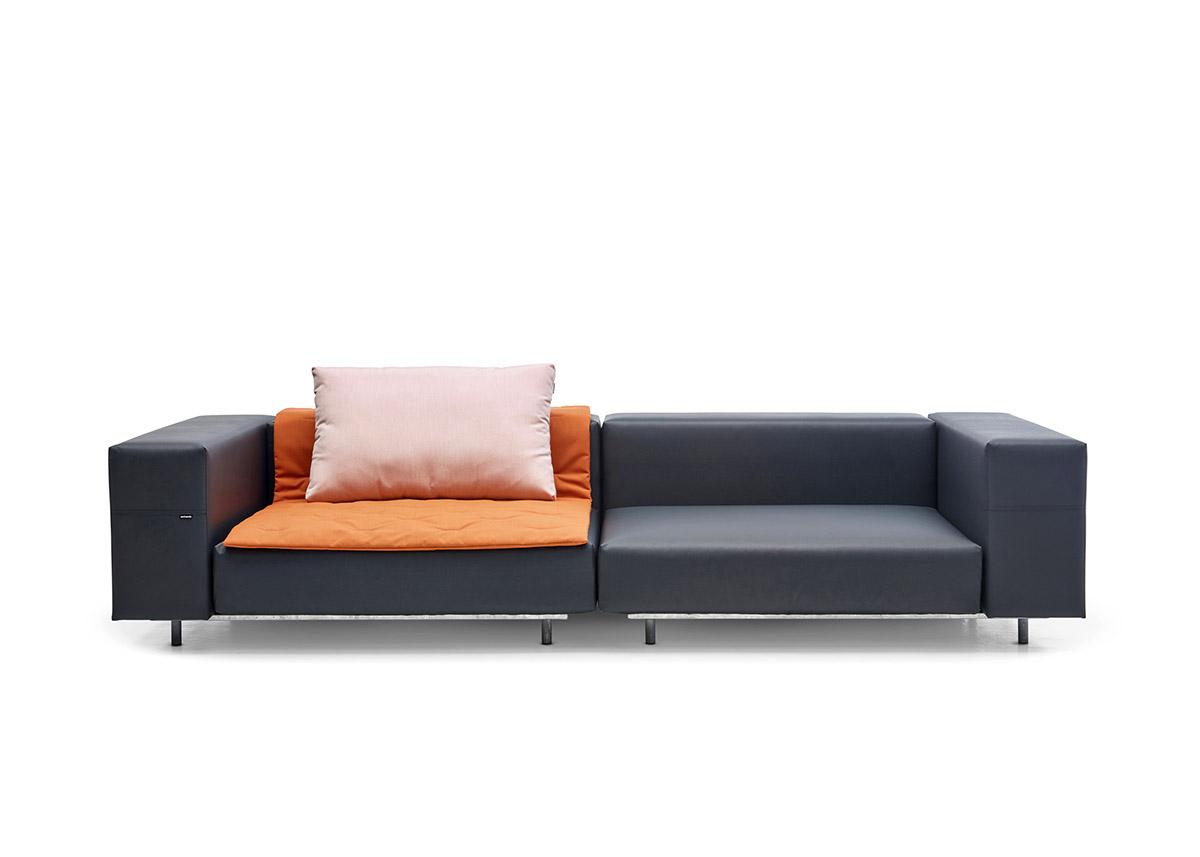 walrus-2-x-corner-seat-with-blankets-cushions copia
