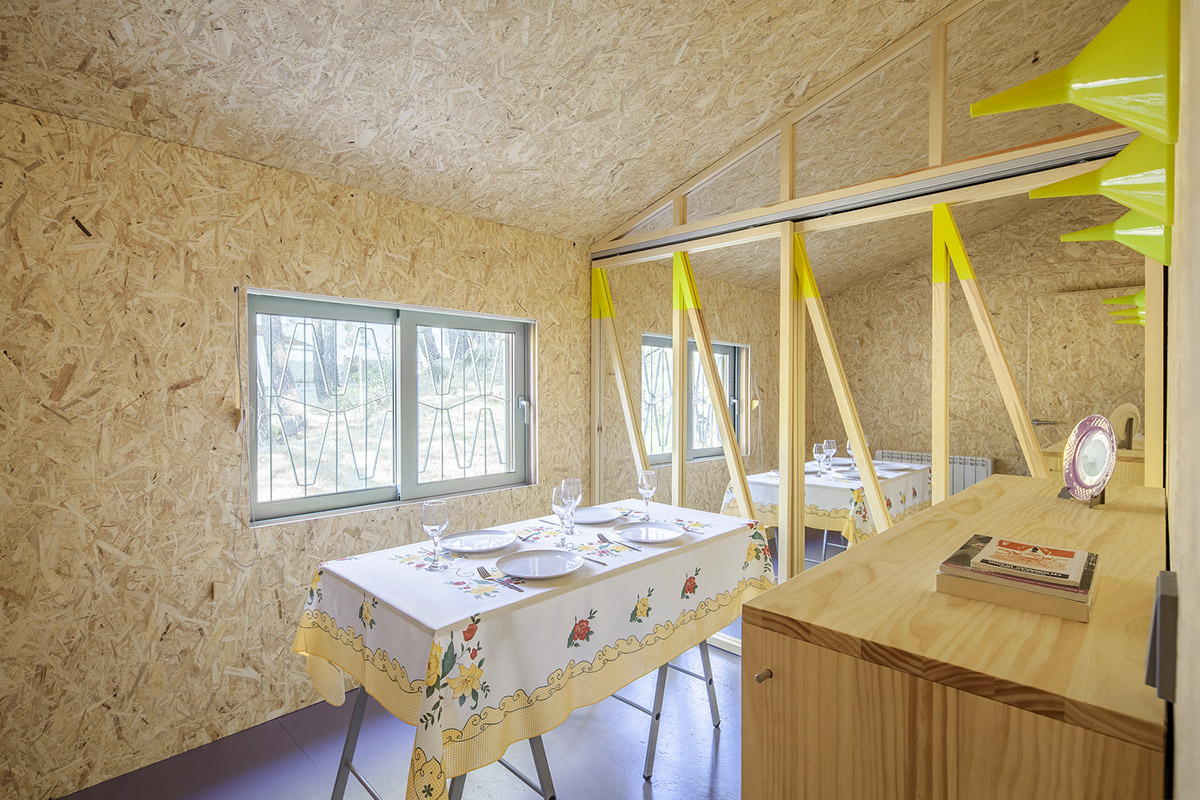 Cabana-sinantro-amor-morada-tele-trabajo-Husos-Architects-Impresiones-cotidianas-04