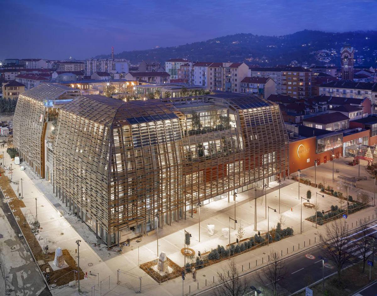 Green-Pea-Retail-Park-Acc-Naturale-Architettura-Negozio-Blu-Architetti-01