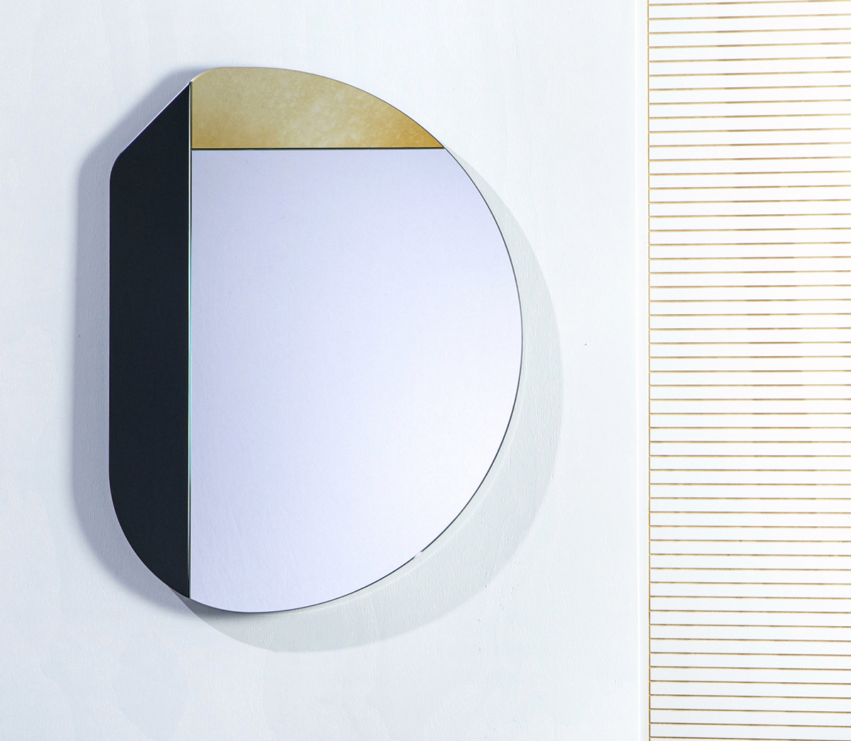 Wrong-Geometries-Mirrors-Collective-04