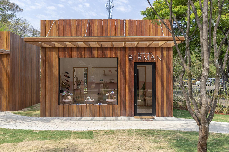 Alexandre Birman Store -Liana Tessler arquitetura 01