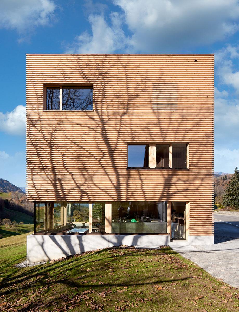 Haus-im-Obstgarten-Firm-Architekten-Adolf-Bereuter-02