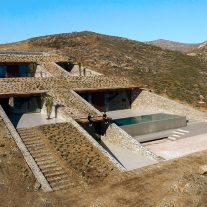 NCaved-House-Mold-Architects-Yiorgis-Yerolympos-03