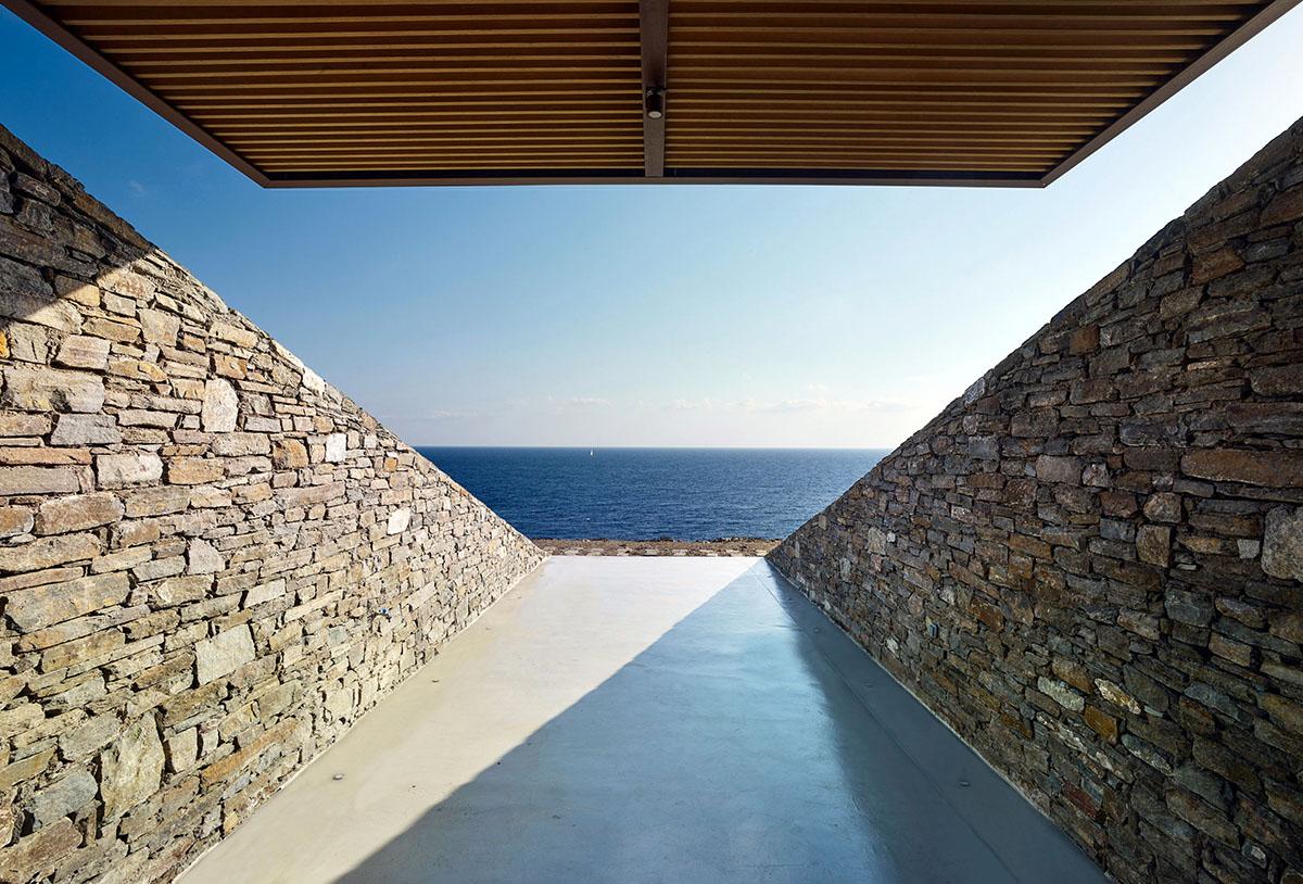 NCaved-House-Mold-Architects-Yiorgis-Yerolympos-04
