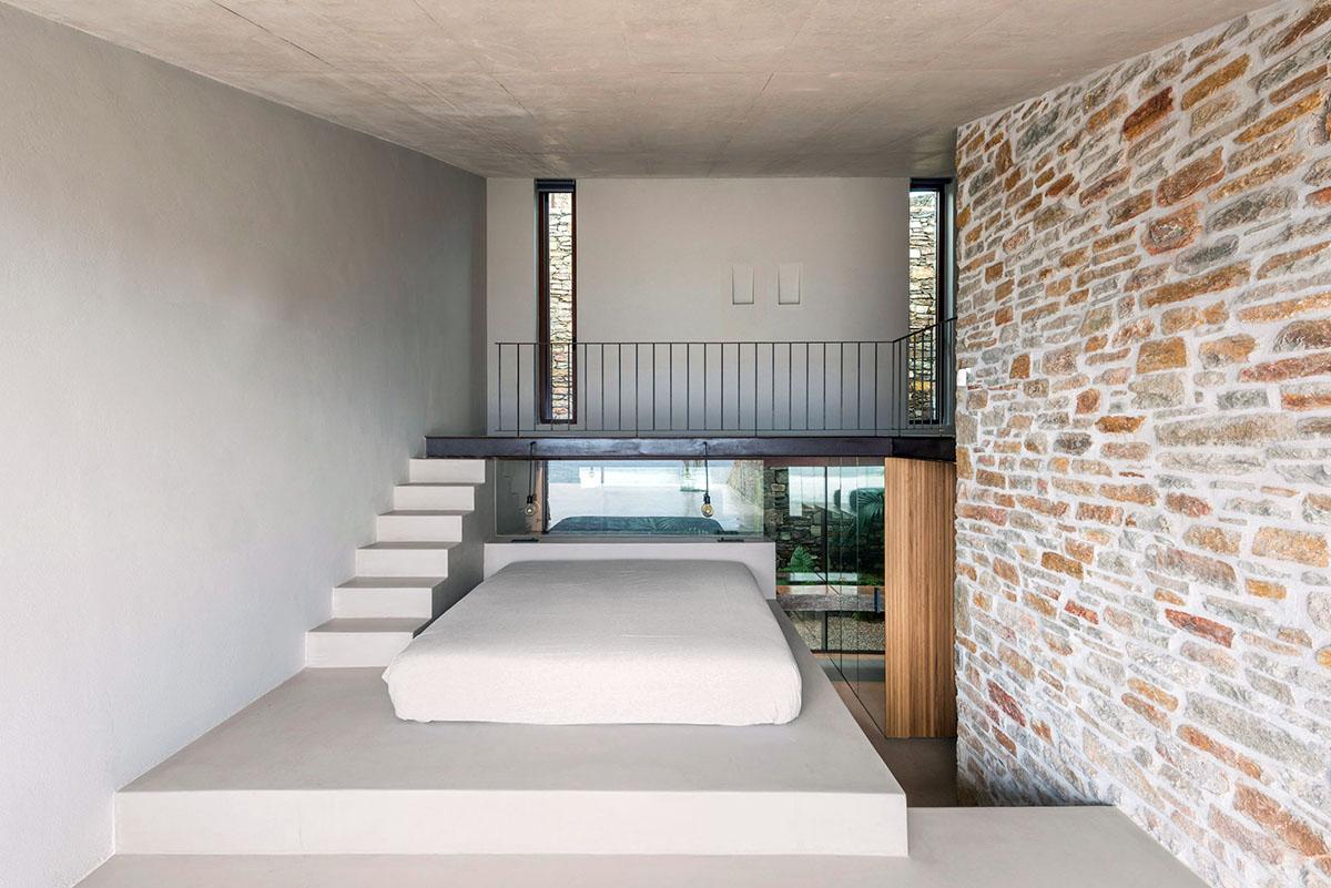 NCaved-House-Mold-Architects-Yiorgis-Yerolympos-06
