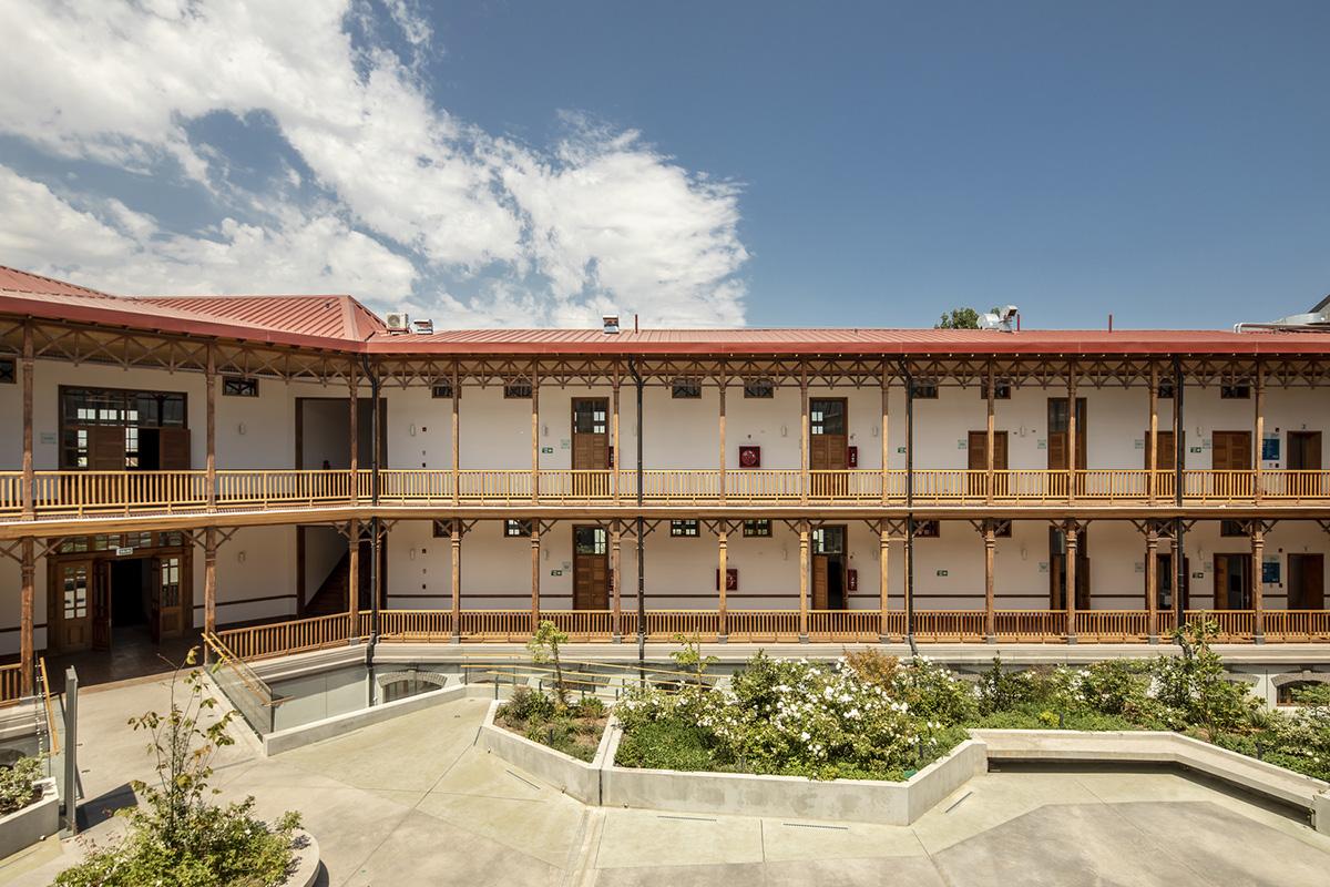 Centro-Comunitario-Salud-Matta-Sur-Luis-Vidal-Arquitectos-Aryeh-Kornfeld-03
