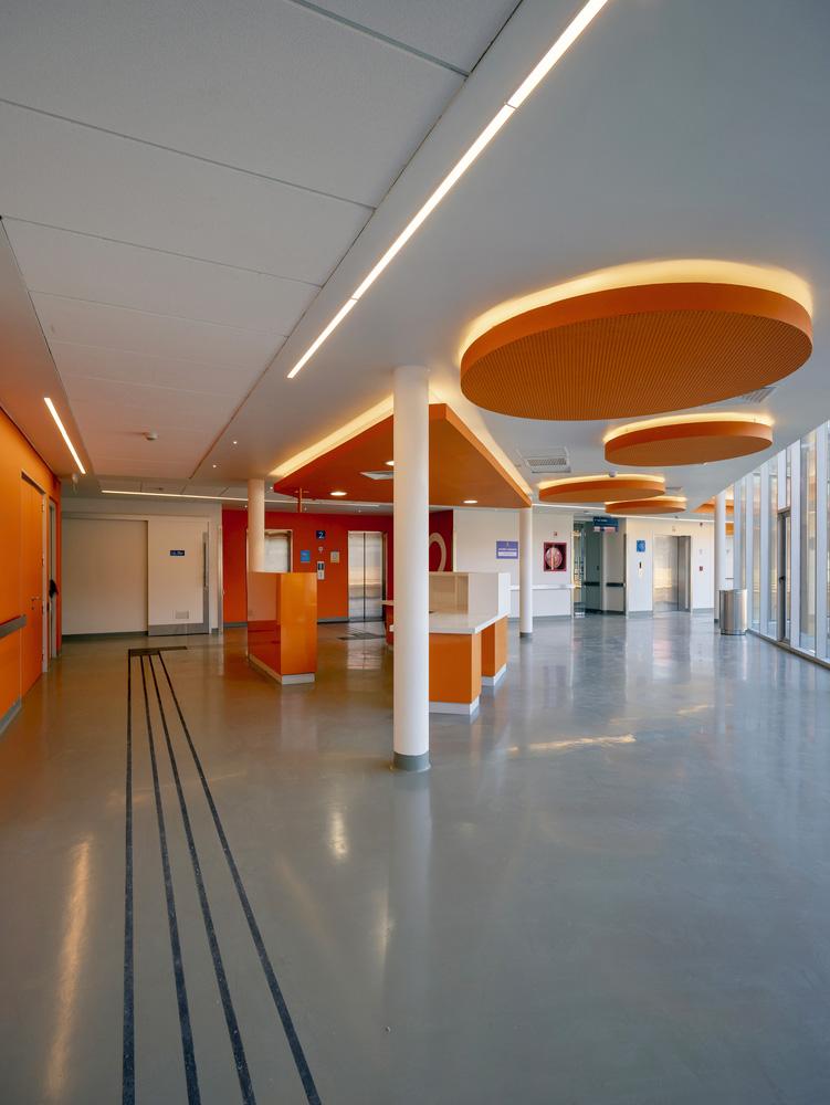 Centro-Comunitario-Salud-Matta-Sur-Luis-Vidal-Arquitectos-Aryeh-Kornfeld-06