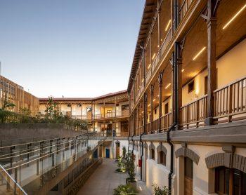 Centro-Comunitario-Salud-Matta-Sur-Luis-Vidal-Arquitectos-Aryeh-Kornfeld-09