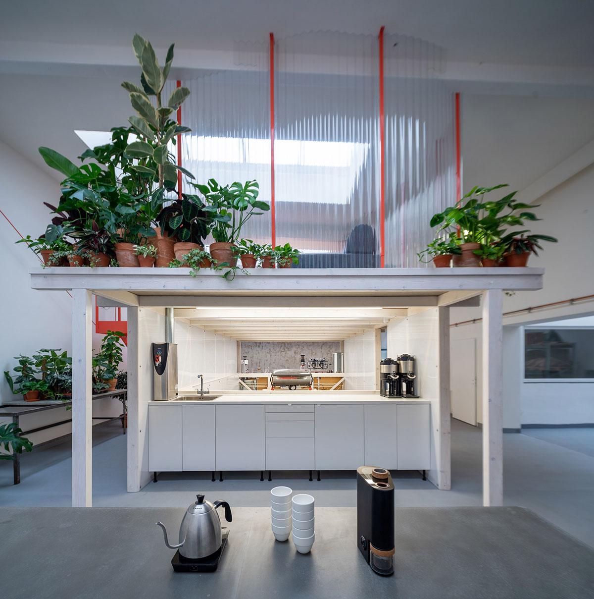 Grounds-Coffee-Hub-Kogaa-Alex-Shoots-Buildings-07