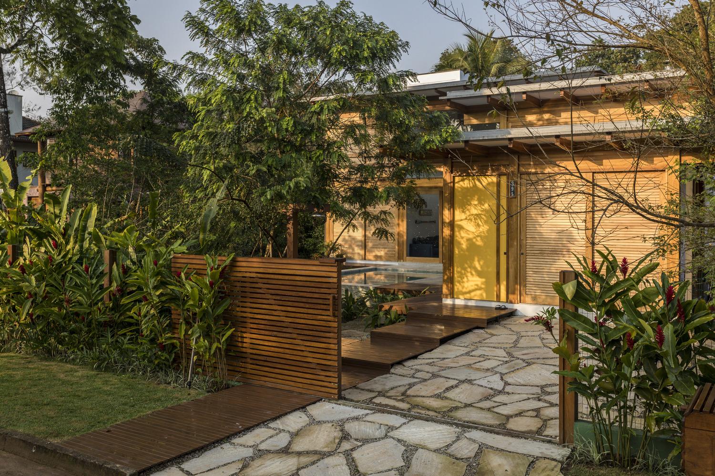 Porta Amarela House Flávia Menezes Arquitetura e Interiores 01