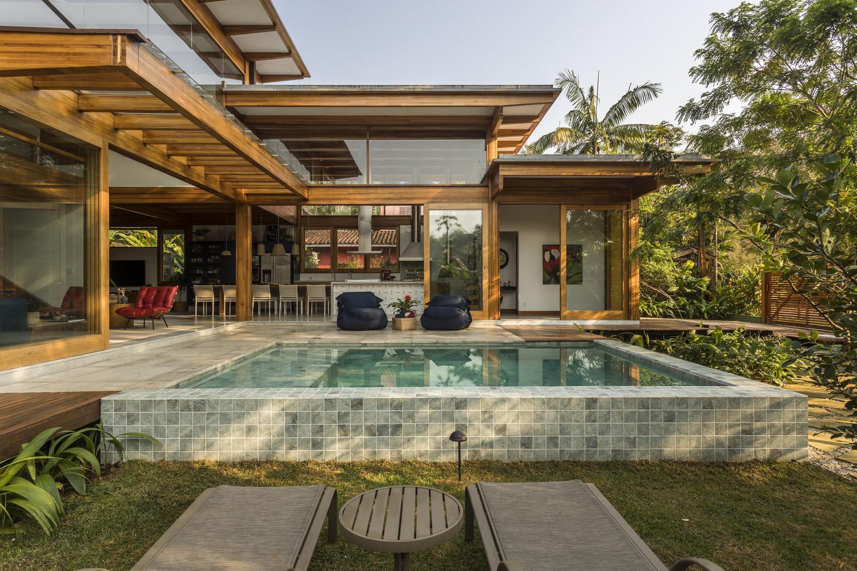 Porta Amarela House Flávia Menezes Arquitetura e Interiores 02