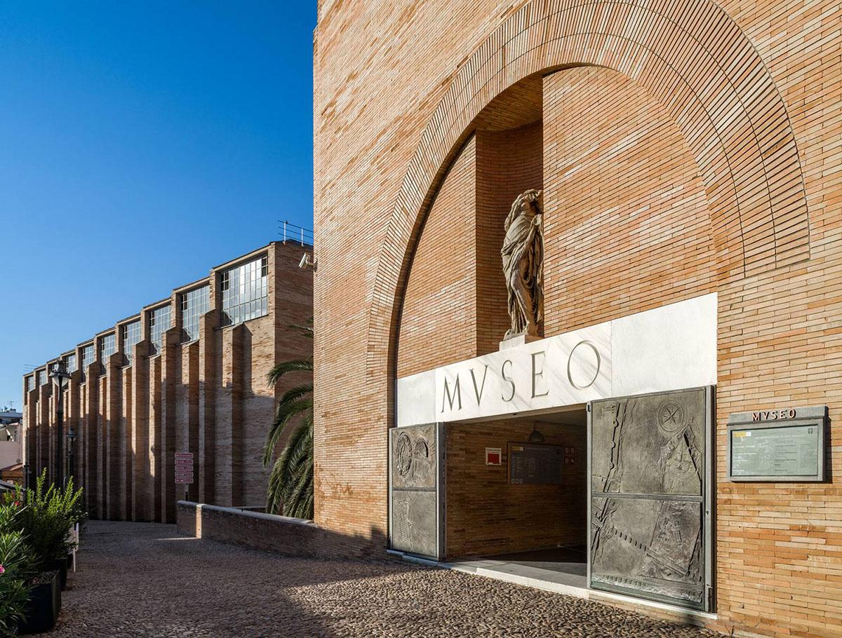 Rafael-Moneo-Leon-Oro-Bienal-Arquitectura-Venecia-02