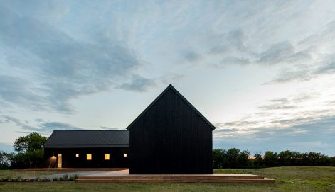 Ell-House-Ravi-Handa-Architect-AAmp-Studio-Maxime-Brouillet-02