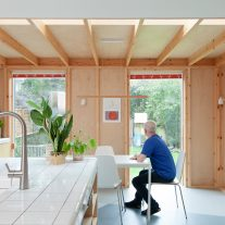 Fruit-Box-House-Nimtim-Architects-Megan-Taylor-02