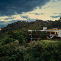 House of Stones TETRO Arquitetura 01