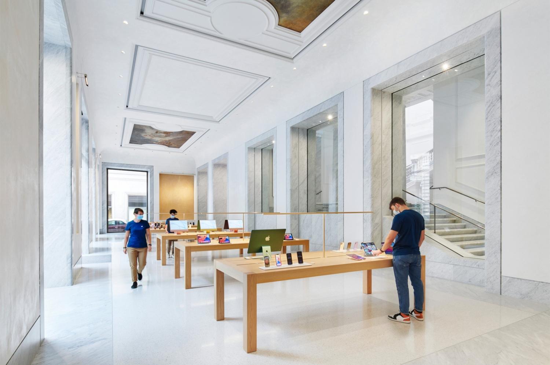 New Apple Store Via del Corso Foster+Partners 03