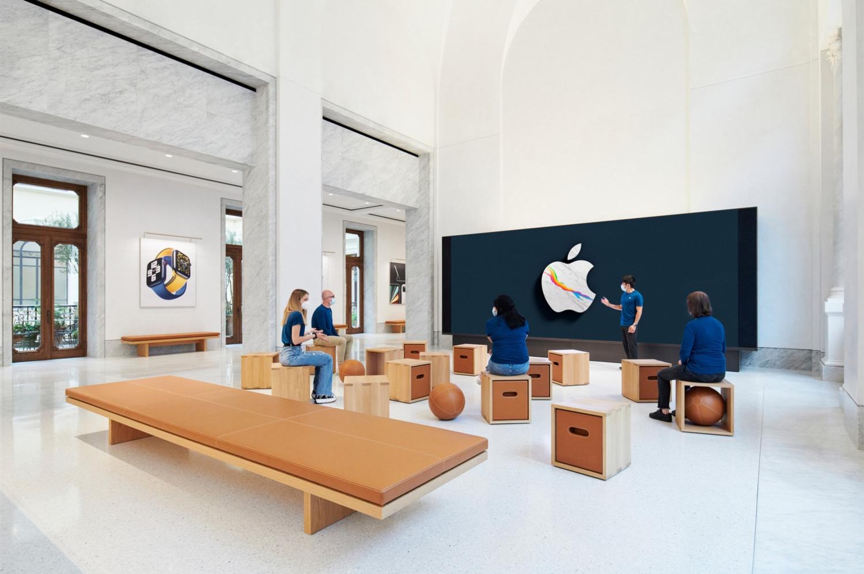New Apple Store Via del Corso Foster+Partners 06
