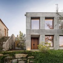 House in Minho Germano de Castro Pinheiro Arquitectos 01