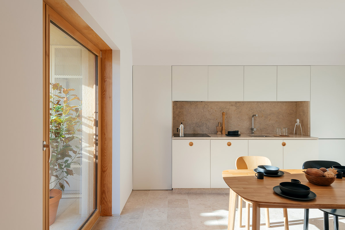 Puppeteers-House-REDO-Architects-Do-Mal-Menos-06