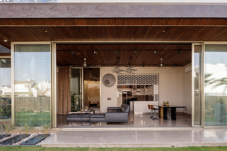 House Under Shadows Zero Energy Design Lab 04