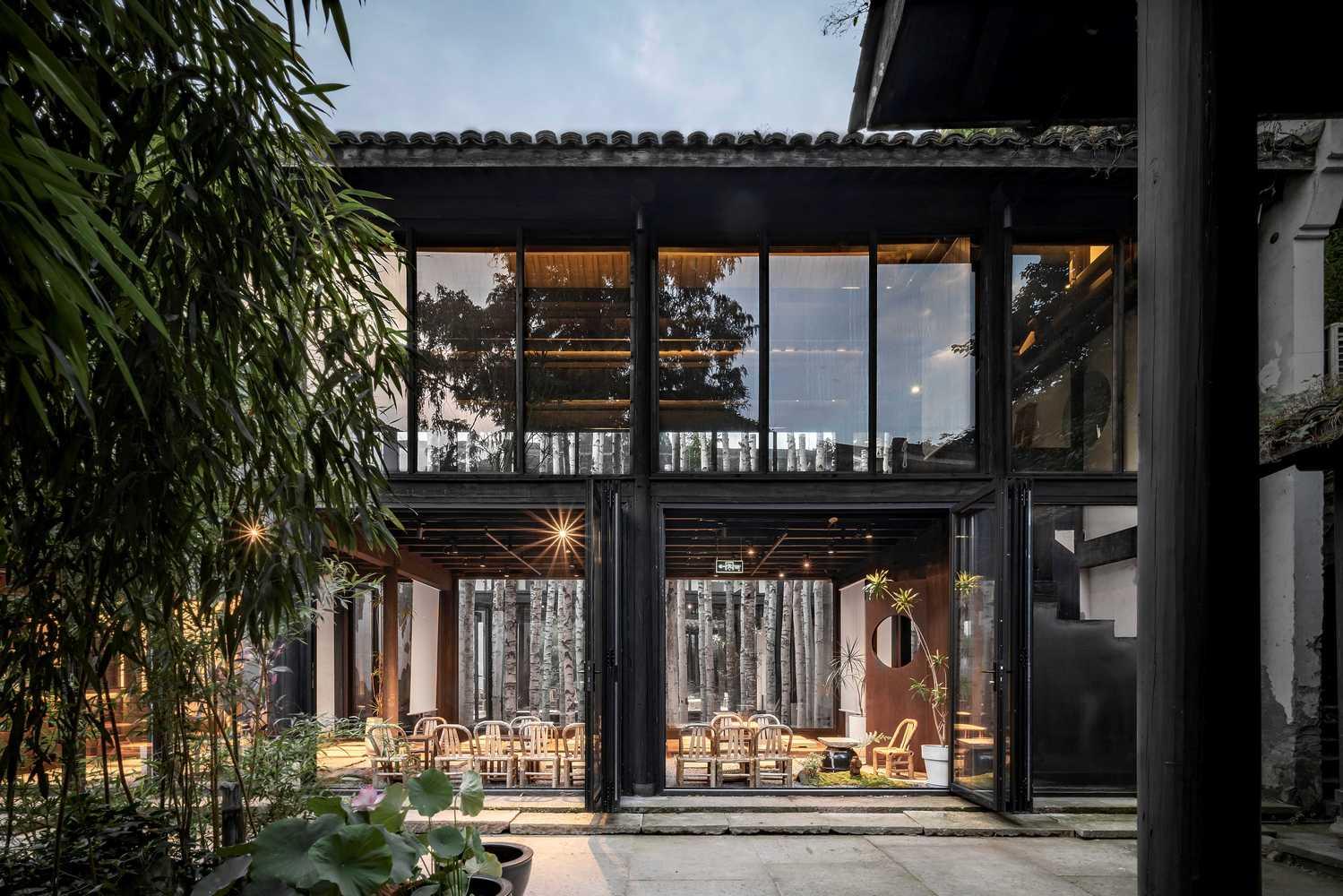 Metal Hands Coffee Renovation DAGA Architects 02