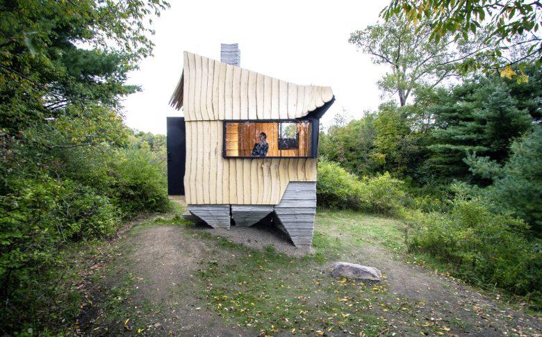 Ashen Cabin HANNAH Office 01