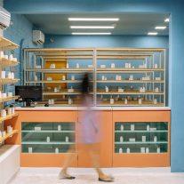 Farmacia-Del-Rio-guey-studio-Eduardo-Mendoza-02